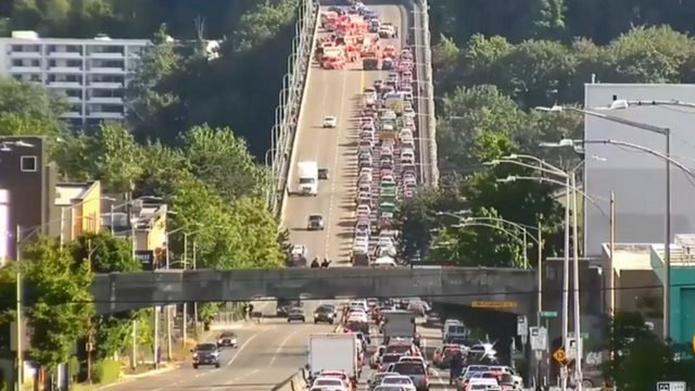 aurora bridge crash